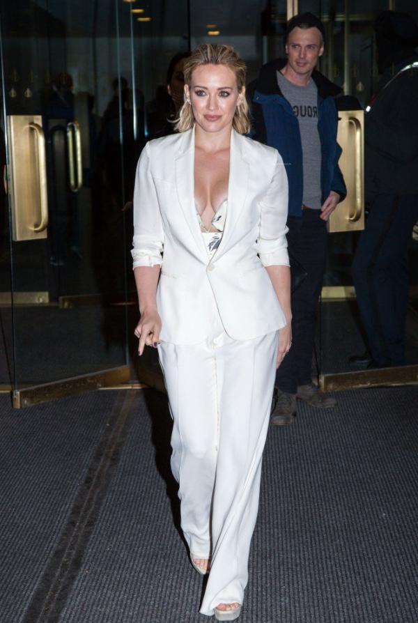 Hilary Duff Nipple Slip Photos 67
