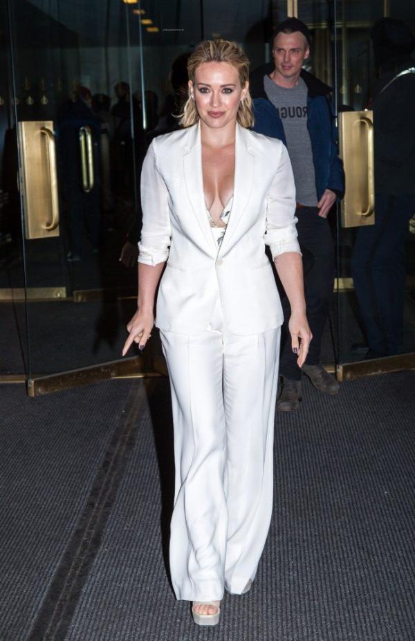 Hilary Duff Nipple Slip Photos 69