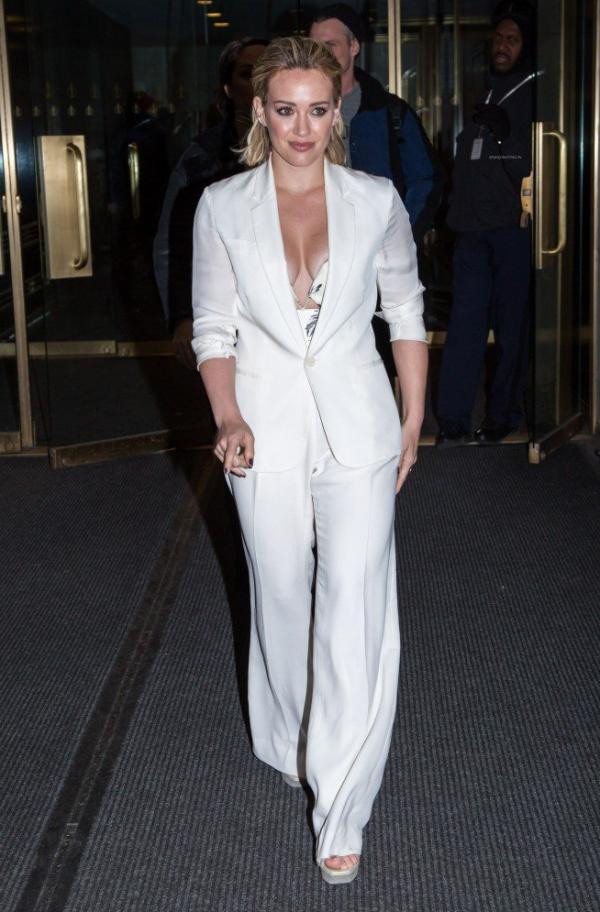 Hilary Duff Nipple Slip Photos 70