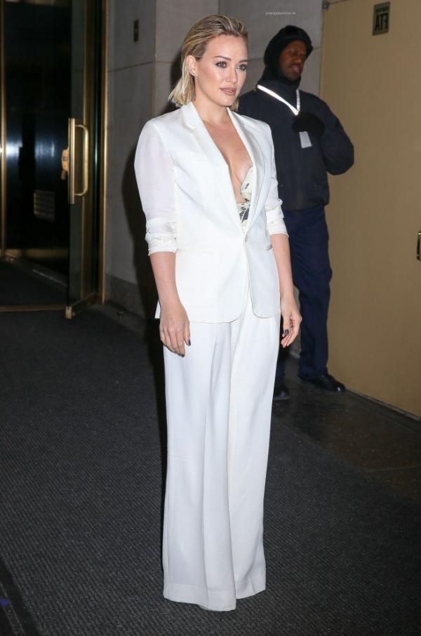 Hilary Duff Nipple Slip Photos 72