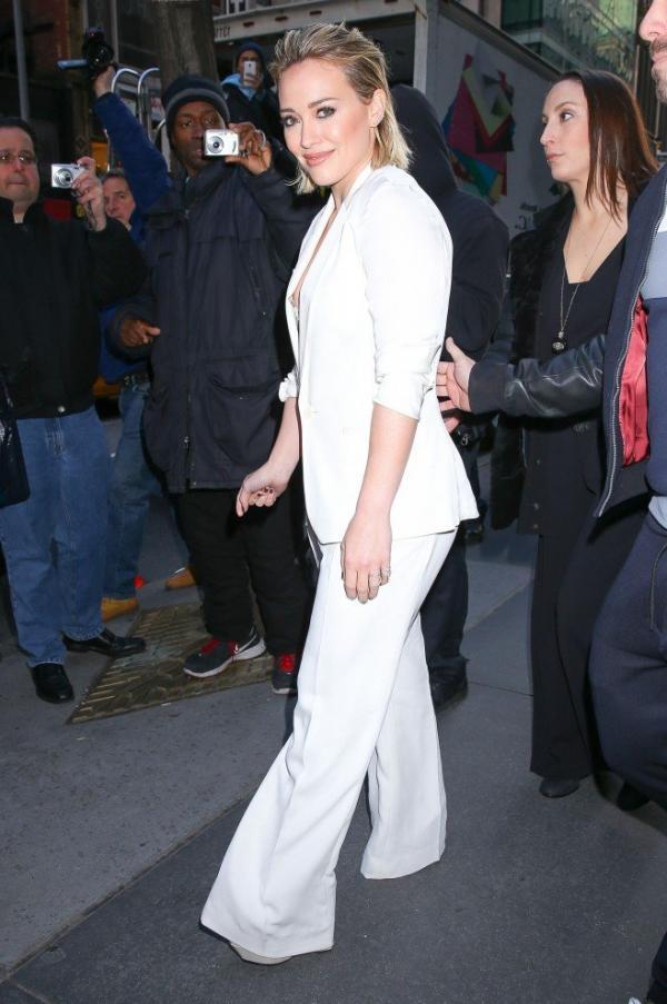 Hilary Duff Nipple Slip Photos 74