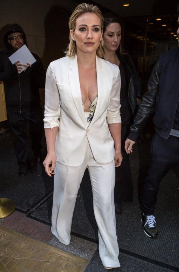 Hilary Duff Nipple Slip Photos 88