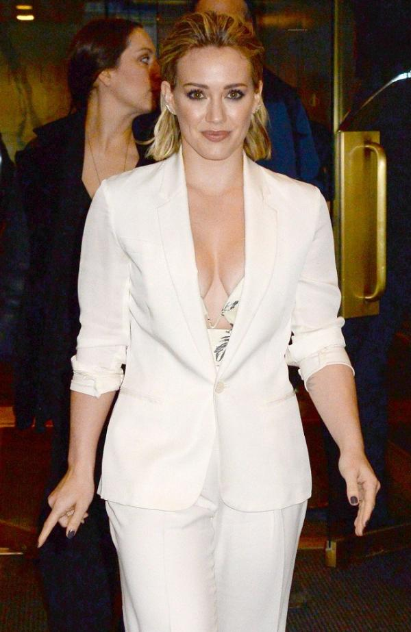 Hilary Duff Nipple Slip Photos 94