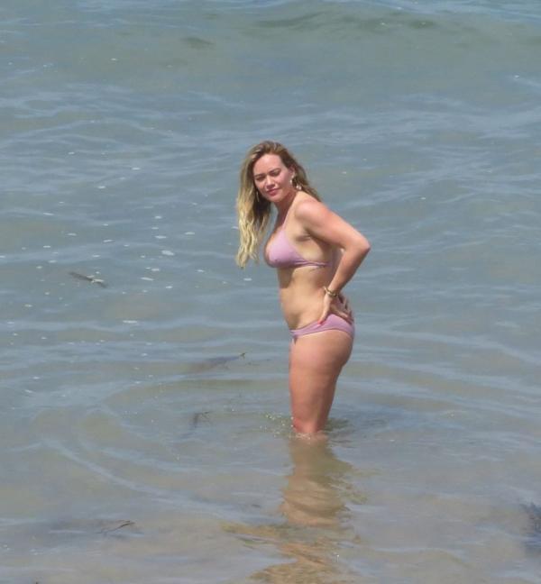 Hilary Duff Sexy Photos 10