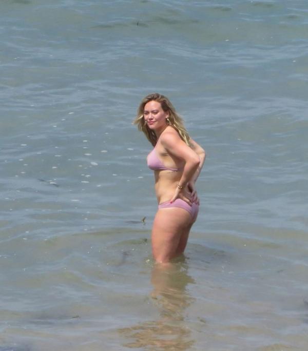 Hilary Duff Sexy Photos 9