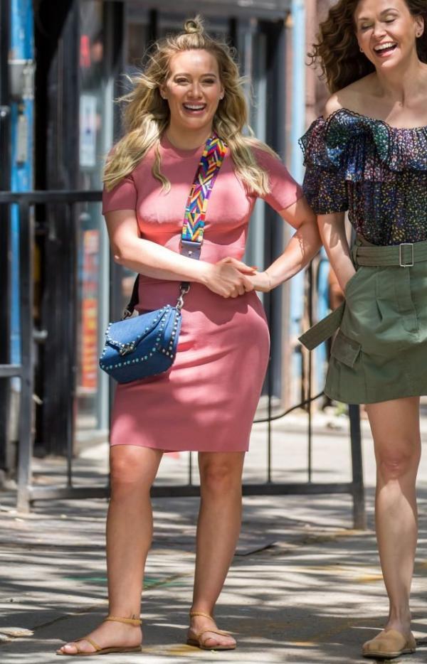Hilary Duff Sexy Pics 16