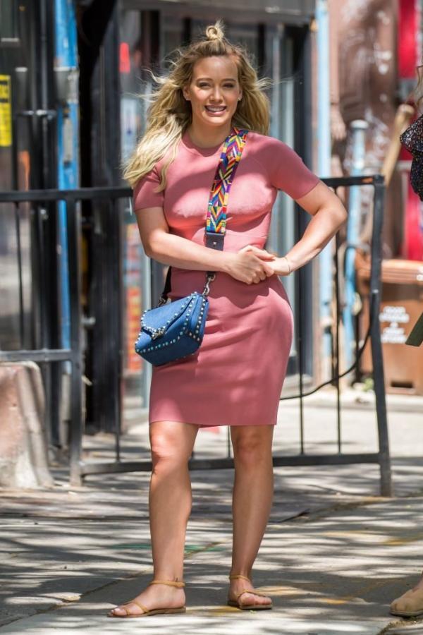 Hilary Duff Sexy Pics 18