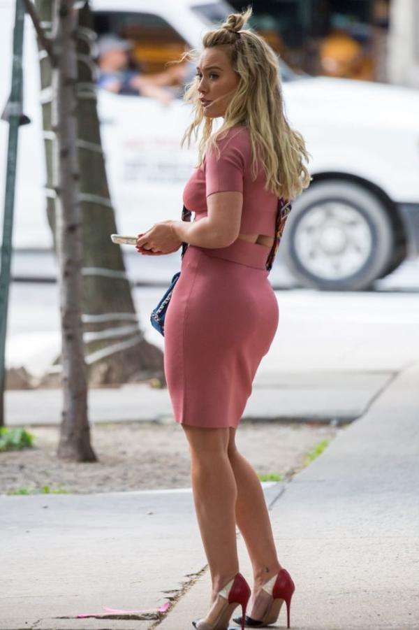 Hilary Duff Sexy Pics 22