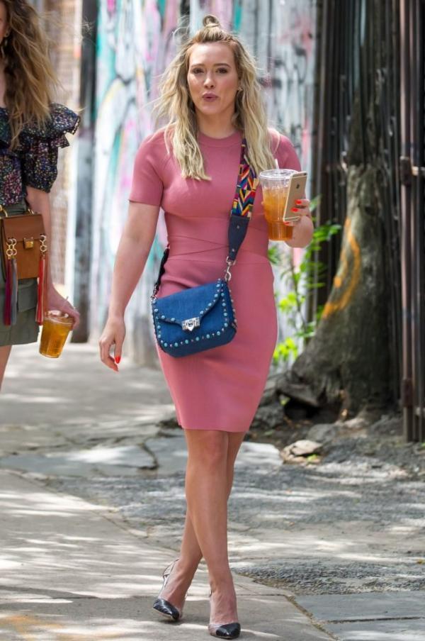 Hilary Duff Sexy Pics 25