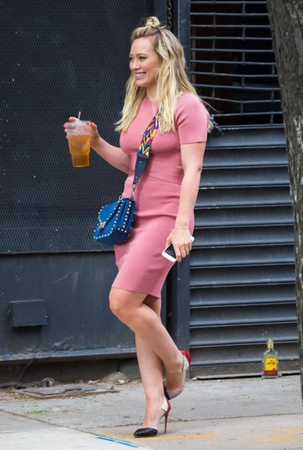 Hilary Duff Sexy Pics 35