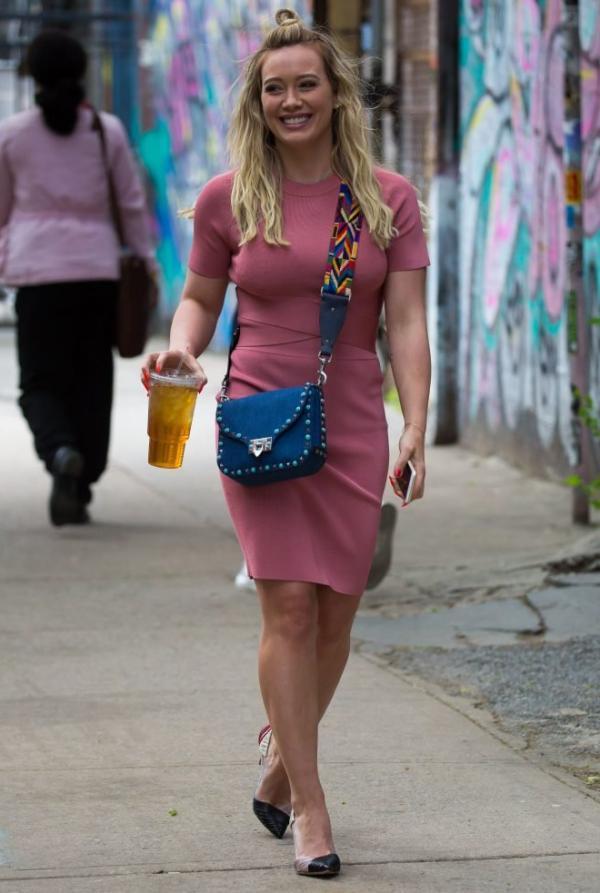 Hilary Duff Sexy Pics 37