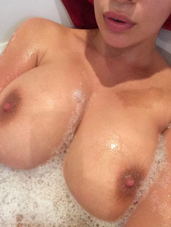 Holly Peers Nude Photos 11