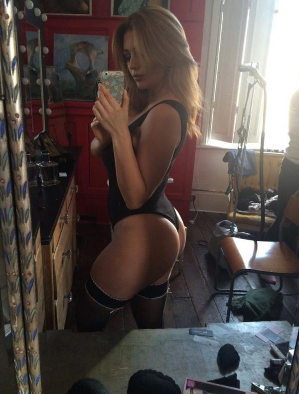 Holly Peers Nude Photos 6