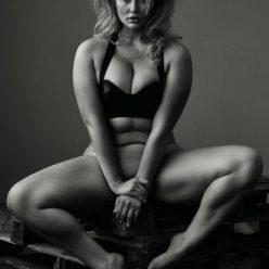 Hunter McGrady Nude Photos 2