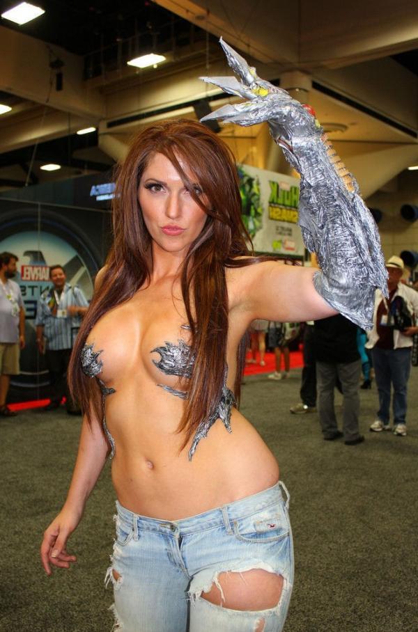 Jacqueline Goehner Nude Sexy Photos 10