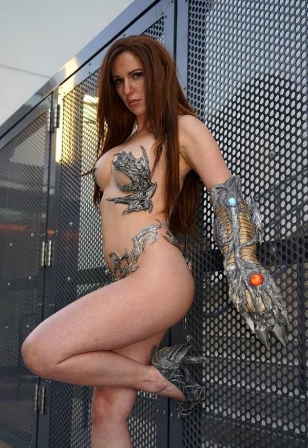Jacqueline Goehner Nude Sexy Photos 12