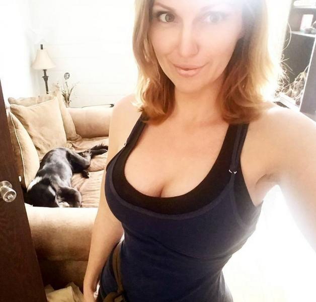 Jacqueline Goehner Nude Sexy Photos 16