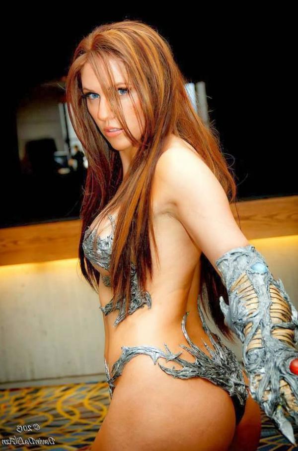 Jacqueline Goehner Nude Sexy Photos 21