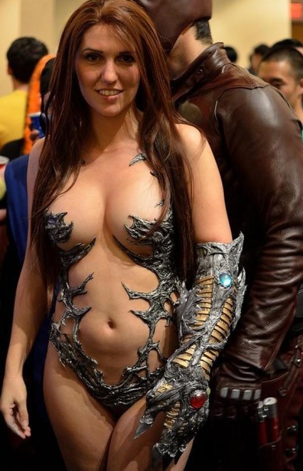 Jacqueline Goehner Nude Sexy Photos 29