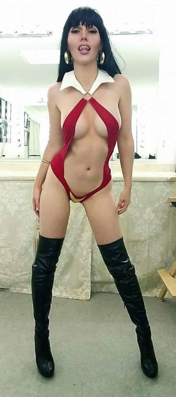 Jacqueline Goehner Nude Sexy Photos 41