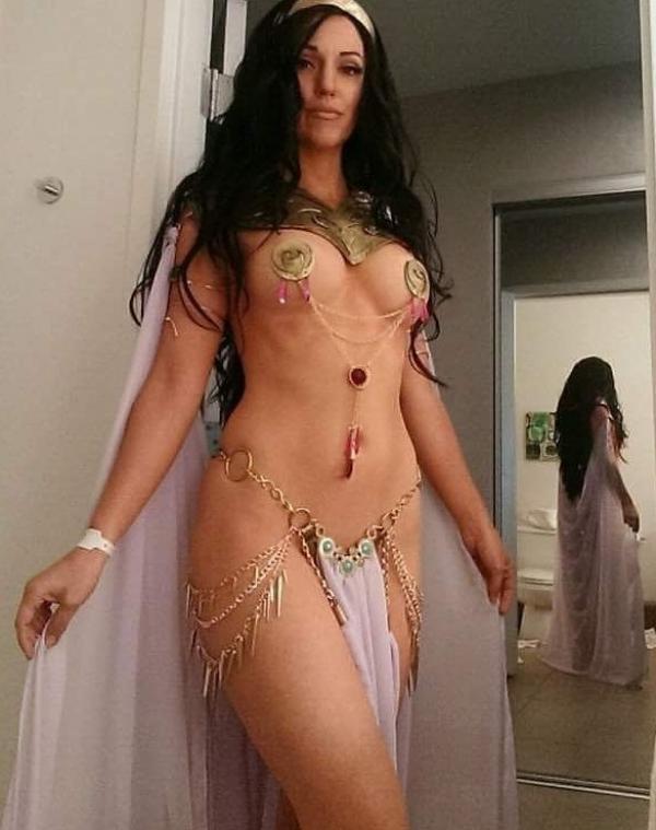 Jacqueline Goehner Nude Sexy Photos 43