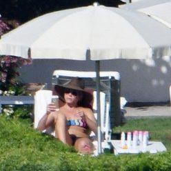 Jennifer Aniston Sexy Topless Photos 46