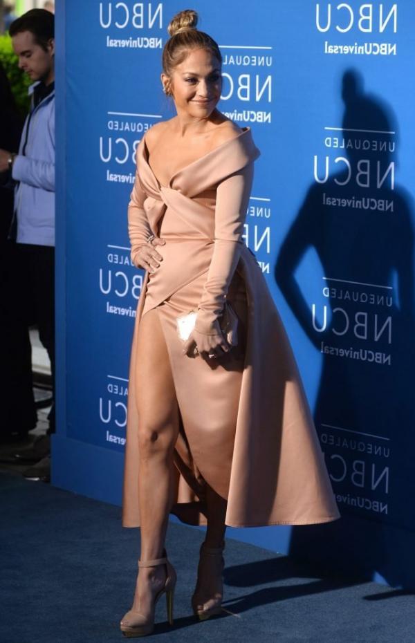 Upskirt jennifer lopez Jennifer Lopez