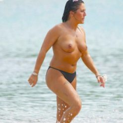 Jessie Wallace topless