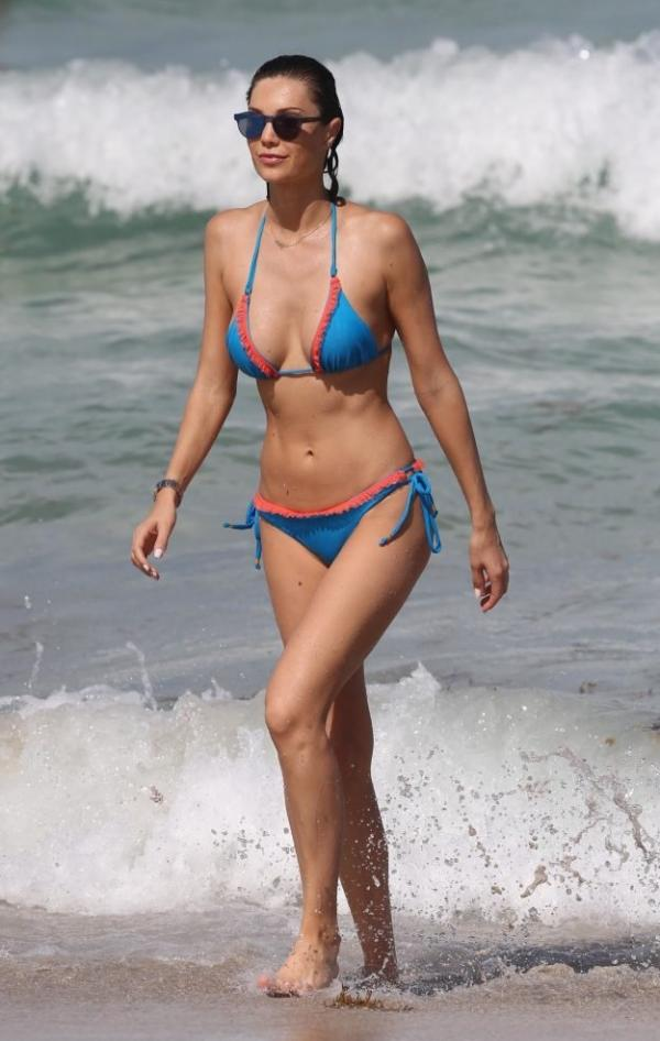 Julia Pereira Sexy Photos 46