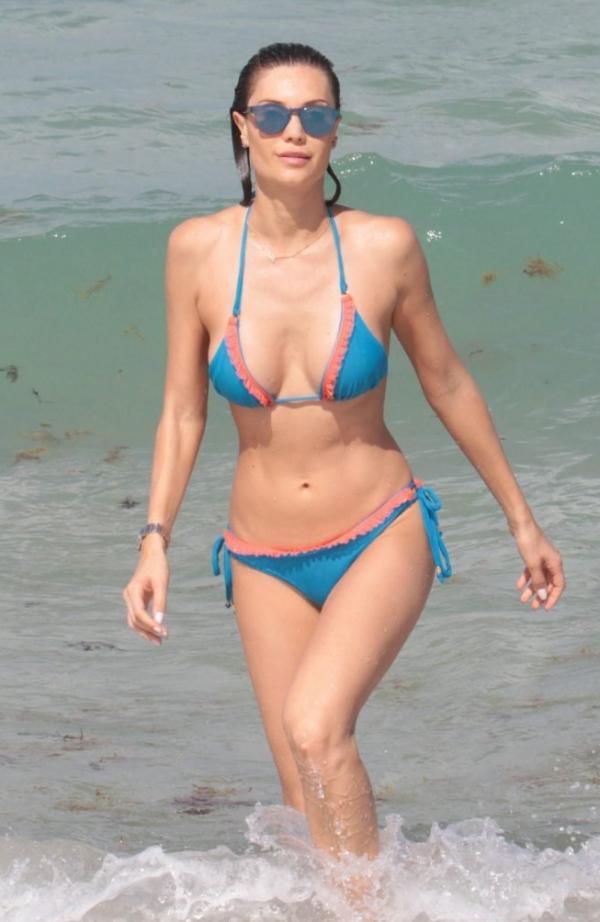 Julia Pereira Sexy Photos 48
