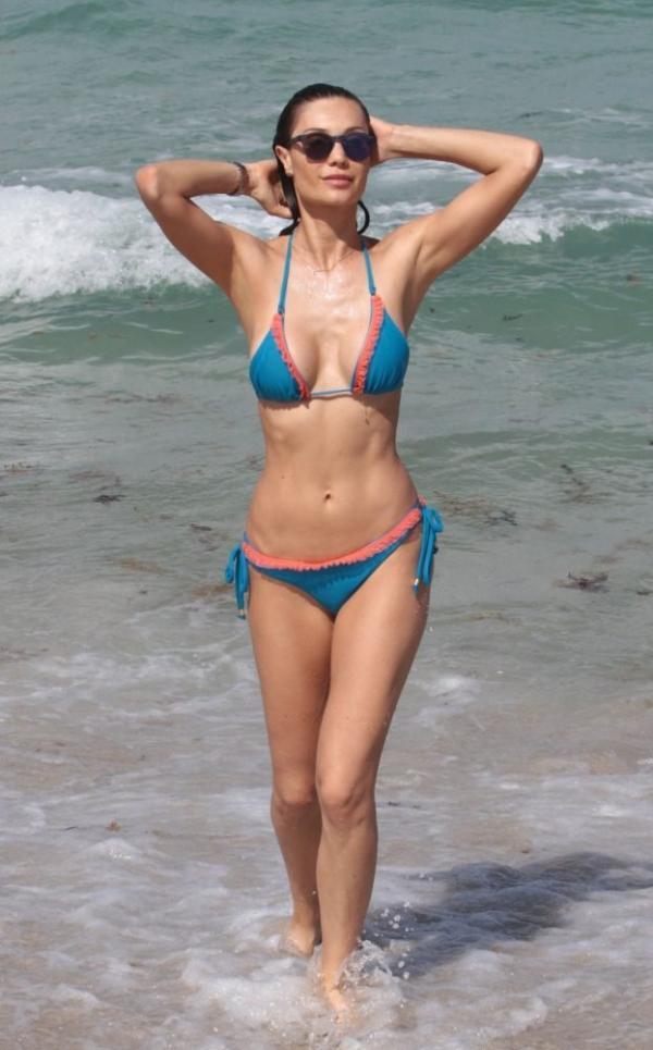 Julia Pereira Sexy Photos 49