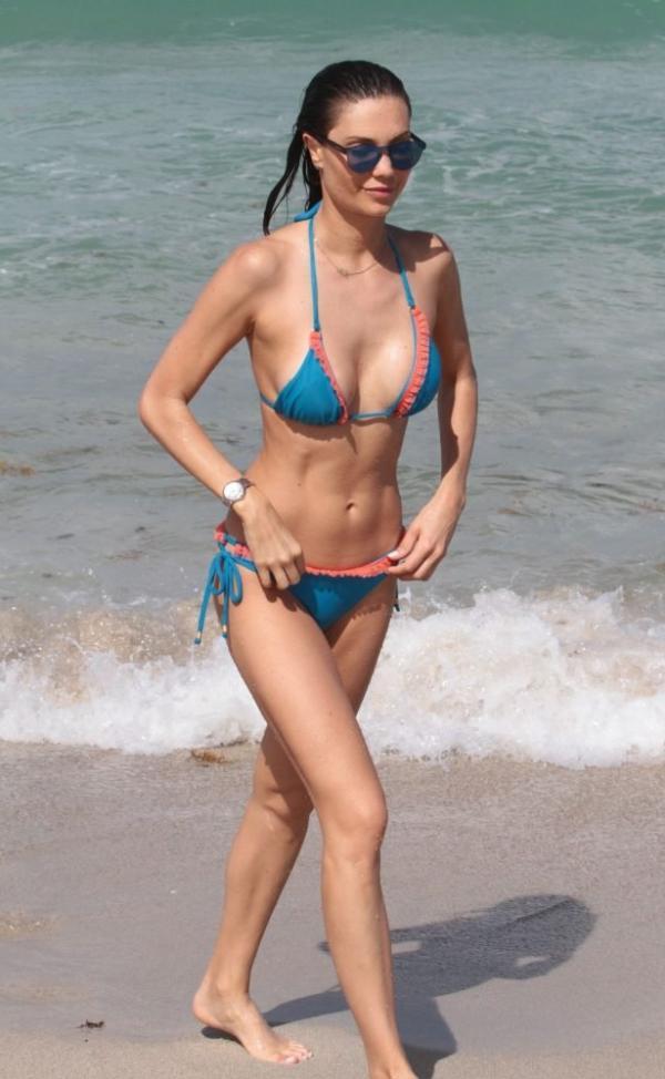 Julia Pereira Sexy Photos 51