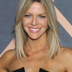 Kaitlin Olson Sexy Photos 10