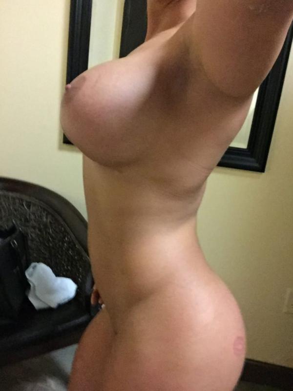 Kaitlyn WWE Leaked Photos 17