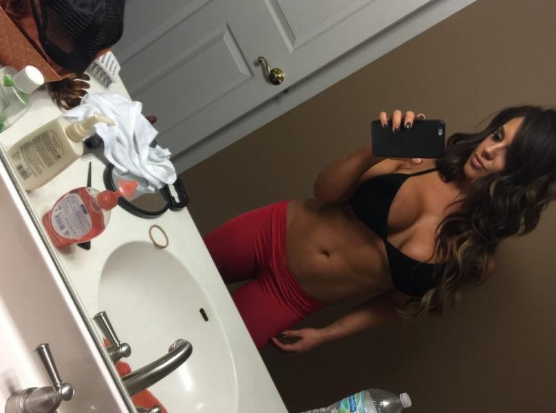 Kaitlyn WWE Leaked Pics 112