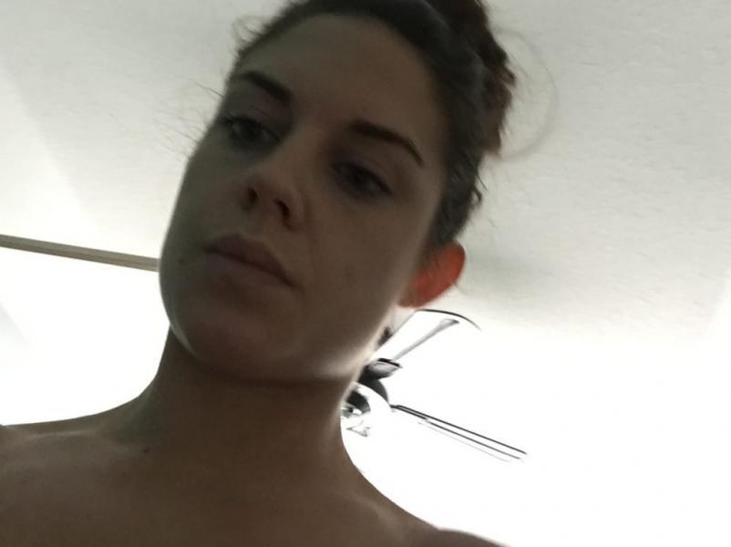 Kaitlyn WWE Leaked Pics 16