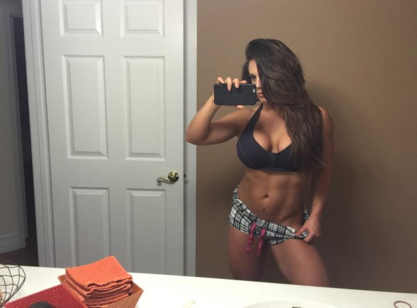 Kaitlyn WWE Leaked Pics 21
