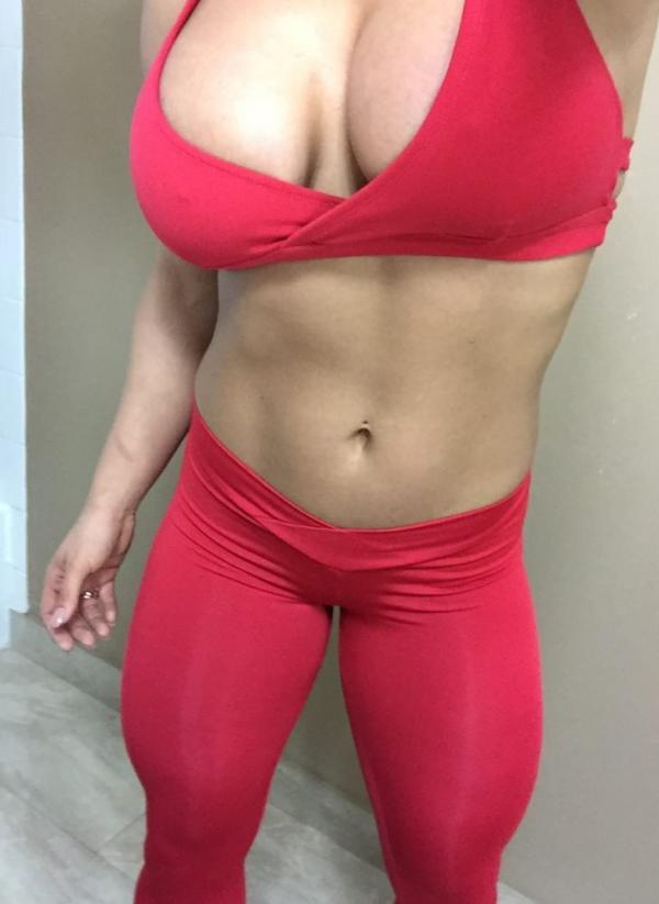 Kaitlyn WWE Leaked Pics 26