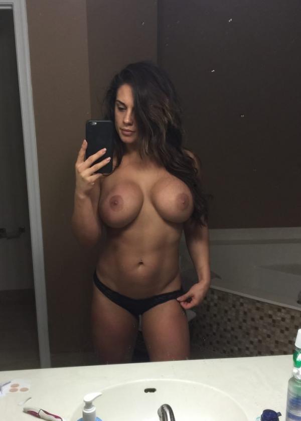 Kaitlyn WWE Leaked Pics 56