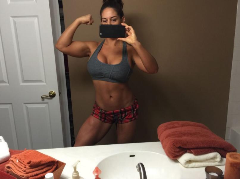 Kaitlyn WWE Leaked Pics 8