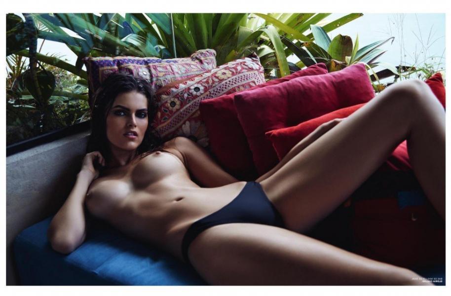 Kamila Hansen Sexy Topless Photos 13