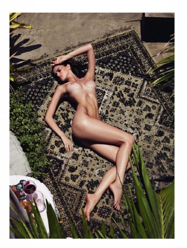 Kamila Hansen Sexy Topless Photos 17