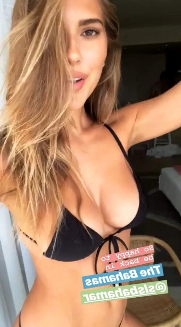 Kara Del Toro Sexy Topless Photos 30