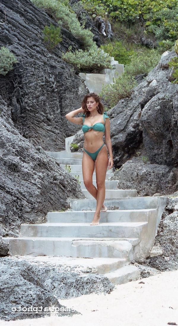 Kara Del Toro Sexy Topless Pics 12