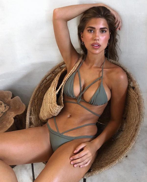 Kara Del Toro Sexy Topless Pics 27
