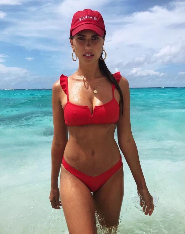 Kara Del Toro Sexy Topless Pics 34