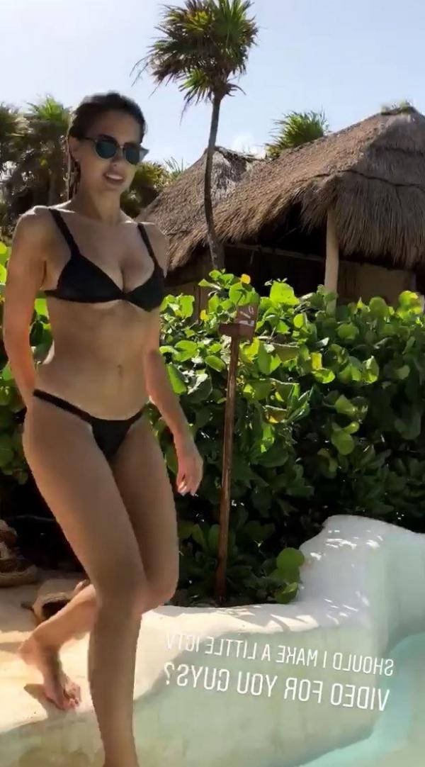 Kara Del Toro Sexy Topless Pics 39