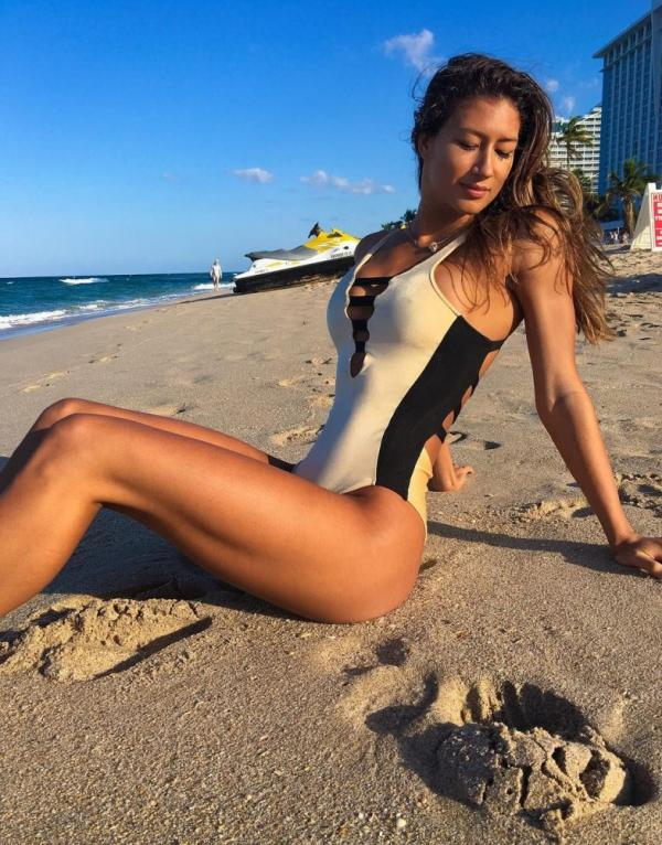 Karina Elle Sexy Photos 104