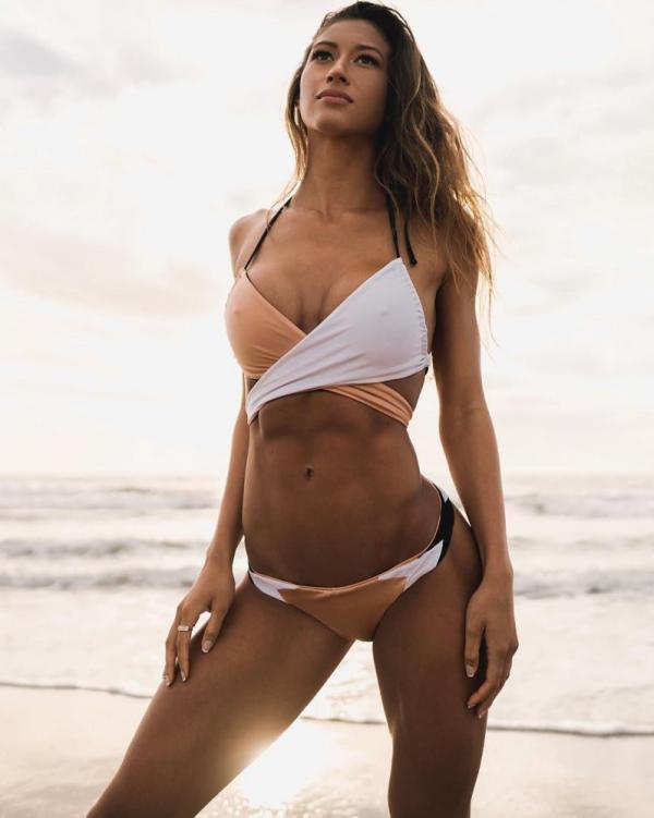Karina Elle Sexy Photos 112