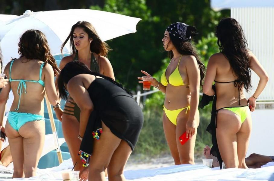 Karina Seabrook Sexy Photos 37